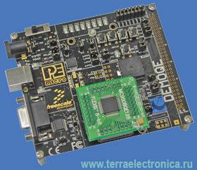 DEMOQE128 – демонстрационная плата для новейших микроконтроллеров