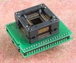 Специализированный адаптер с ZIF колодкой DIL40/TQFP64 Z AVR