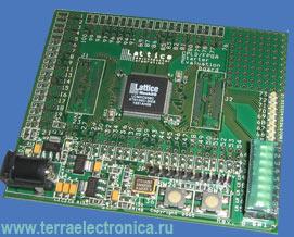 LCMXO256C-S-EV – макетная плата MachXO