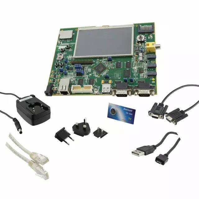 Демоплата  This kit lets designers quickly evaluate and develop code for applications running on the SAM9M10 or the SAM9G45. It is delivered with free packages for Android, Microsoft Windows and Linux to enable rapid application development.