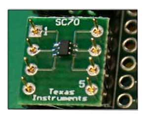 Адаптационная плата с установленным SMD чипом и распаянными разъемами SAMTEC