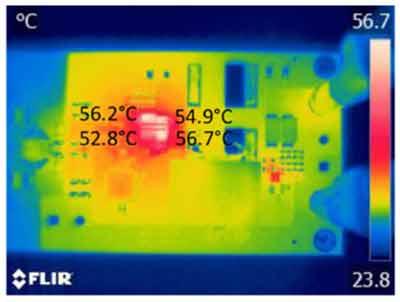 Распределение температуры в трехуровневом понижающем преобразователе в установившемся состоянии при выходном токе 12,5 А и с активным воздушным охлаждением
